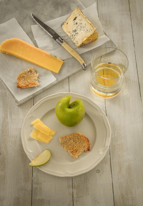 Irish Farmhouse Cheese and Whisky_© 2013 Helena McMurdo-2